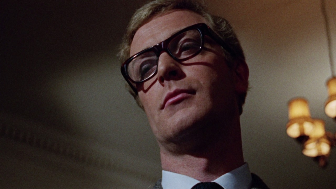 Michael Caine som Harry Palmer i «The Ipcress File» (dd).